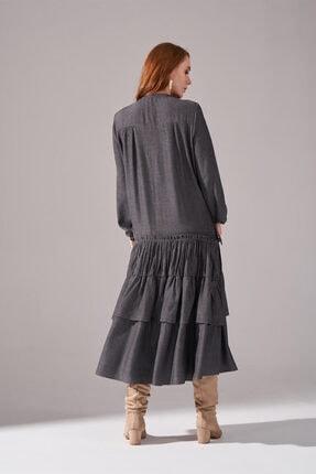 Mizalle Kolları Büzgülü Kat Detaylı Elbise (Gri) 3