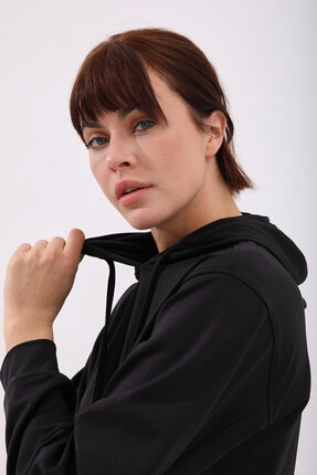 Tommy Life Kadın Siyah Varak Kanguru Cep Büzgü Detaylı Kapüşonlu Sweatshirt 1