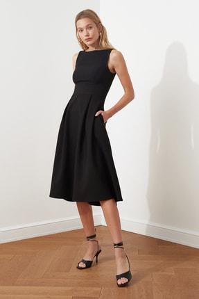 TRENDYOLMİLLA Siyah Pileli Elbise TWOSS20EL0980 1