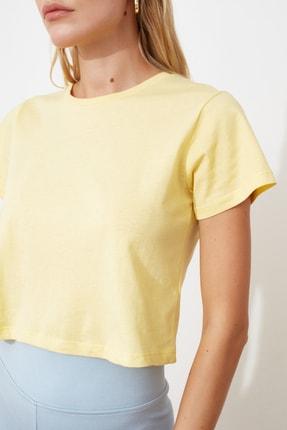 TRENDYOLMİLLA Sarı %100 Pamuk Süprem Bisiklet Yaka Crop Örme T-Shirt TWOSS20TS0135 1