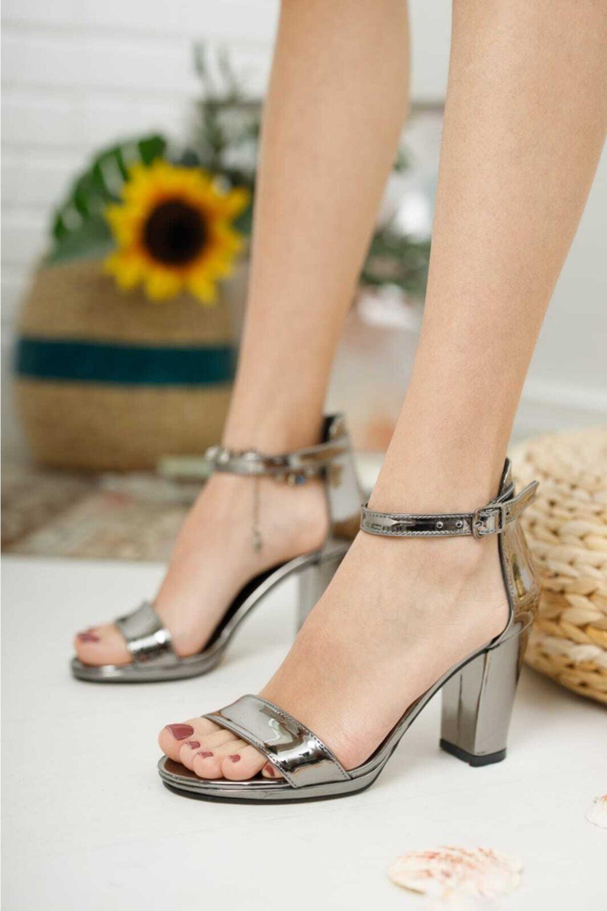 Kadın Metalik Tek Bant Ayakkabı