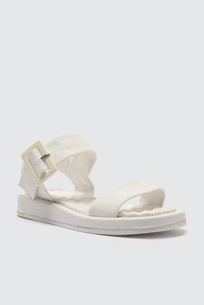 Trendyol Shoes Beyaz Kalın Tabanlı Tokalı Kadın Sandalet TAKSS21SD0032 2