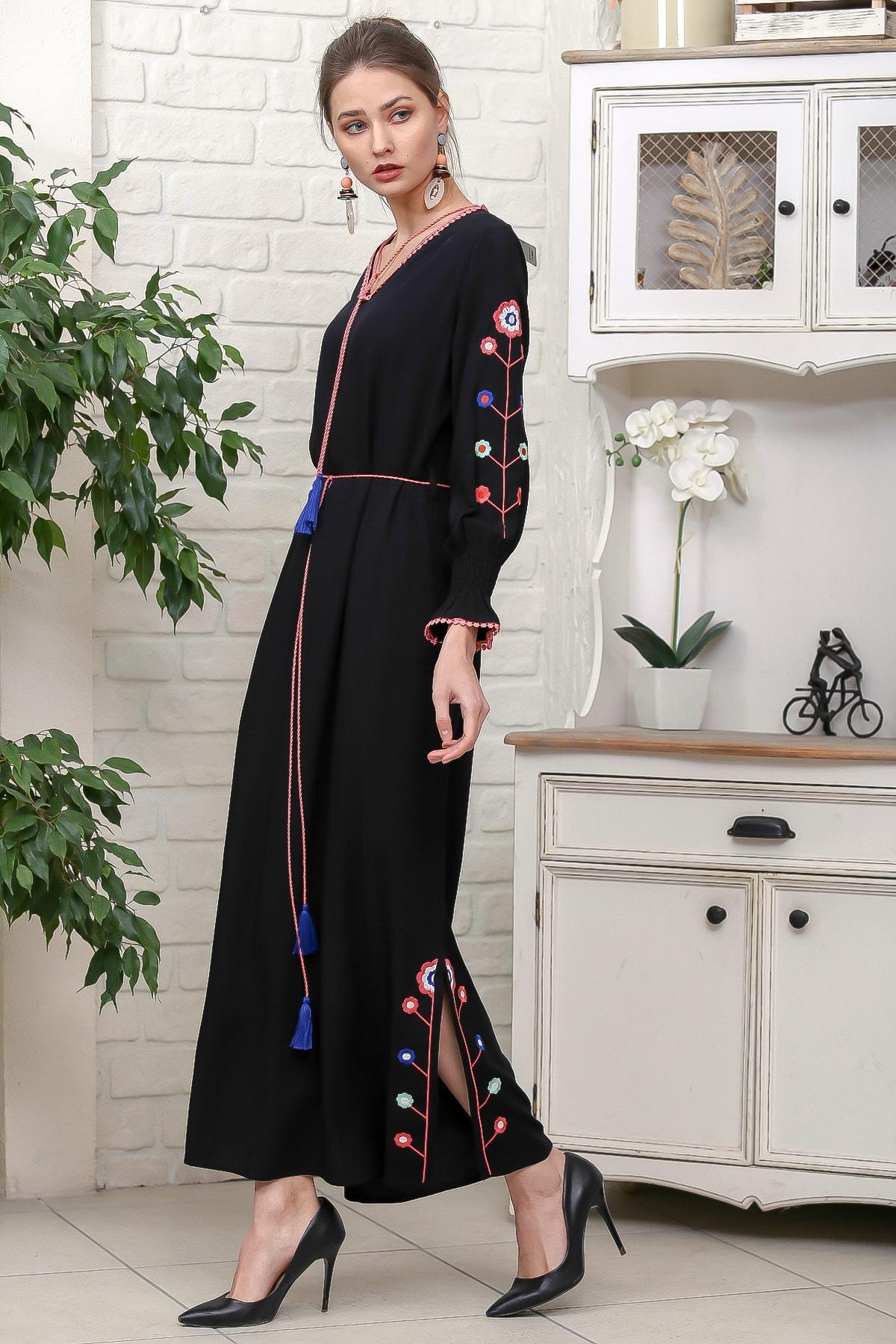 Chiccy Kadın Siyah Kol Ve Yırtmaçları Çiçek Nakışlı Püsküllü Bağcıklı Dokuma Uzun Elbise M10160000EL95942 2