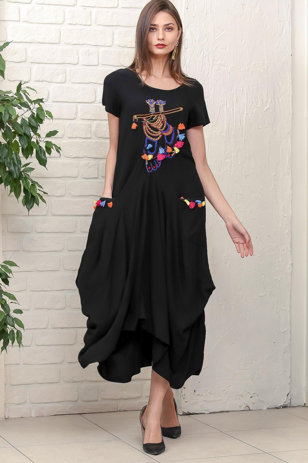 Chiccy Kadın Siyah Bohem Ayak Nakışlı Yarım Kollu Cepli Asimetrik Salaş Dokuma Elbise M10160000EL95884 1