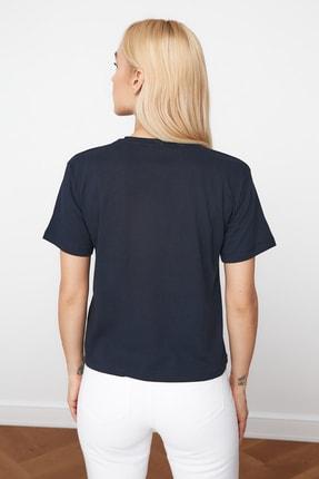 TRENDYOLMİLLA Lacivert Baskılı Semi-Fitted Örme T-Shirt TWOSS20TS0572 4
