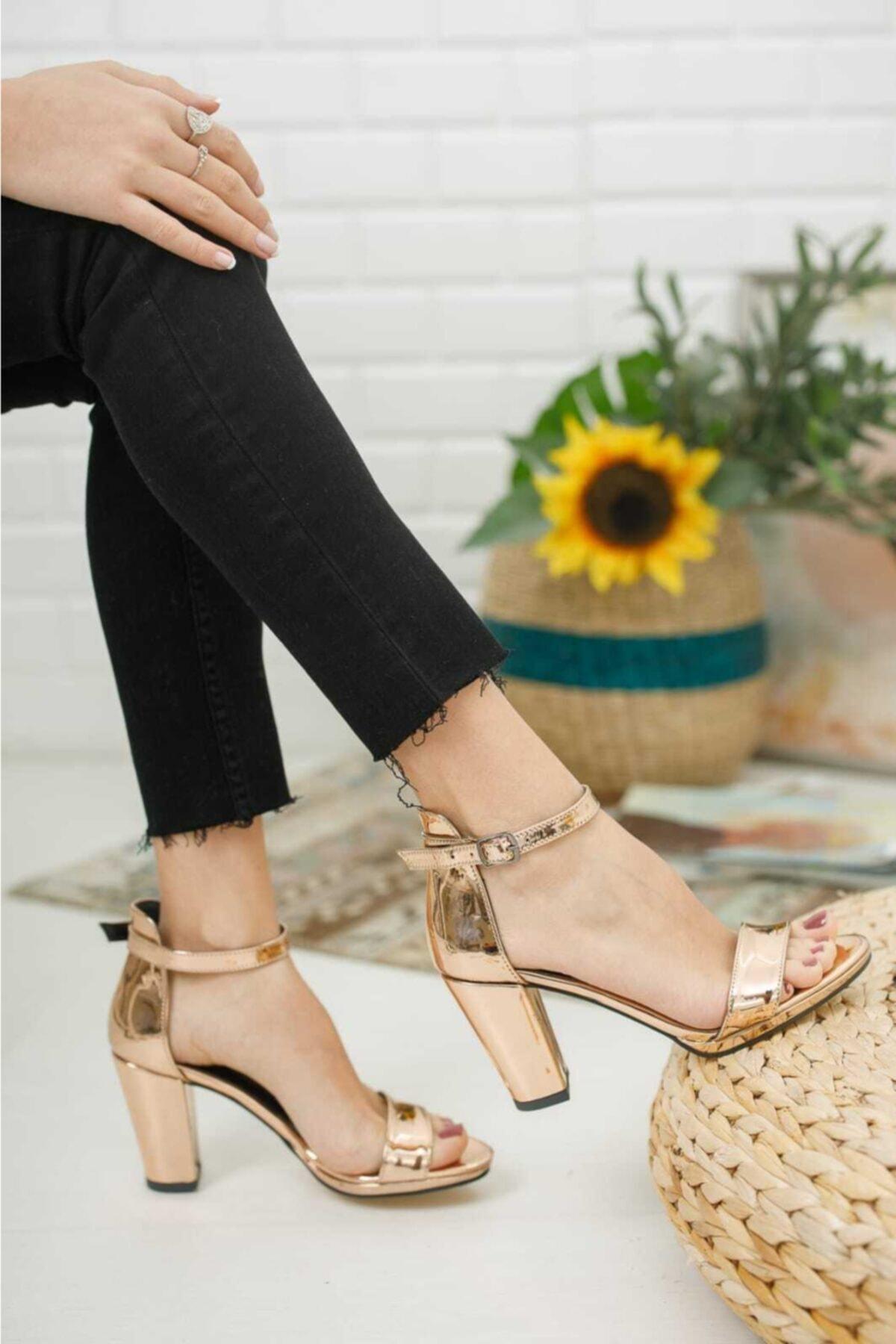 Kadın Metalik Zenne Ayakkabı Tek Bant