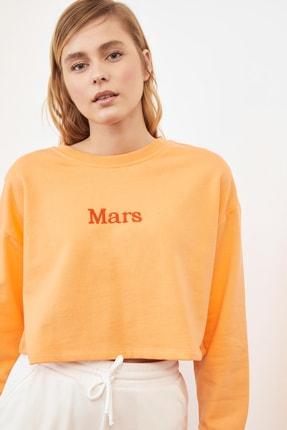 TRENDYOLMİLLA Şeftali Nakışlı Crop Örme Sweatshirt TWOSS20SW0150 2