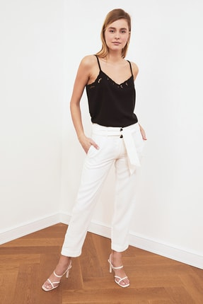 TRENDYOLMİLLA Siyah Askılı Bluz TWOSS21BZ0543 2