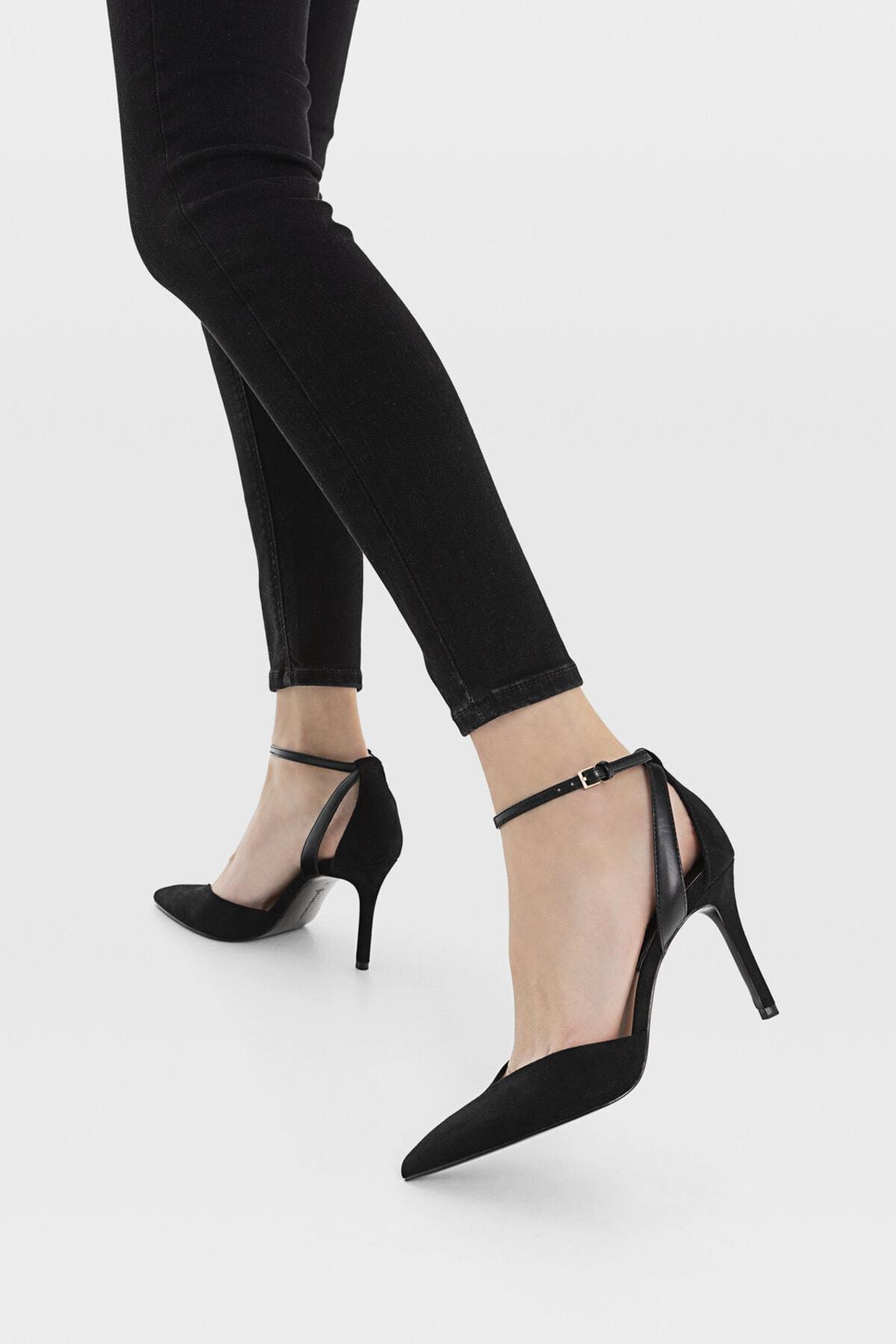 Stradivarius Kadın Siyah Bilekten Bantlı Yüksek Topuklu Ayakkabı 19153770 4