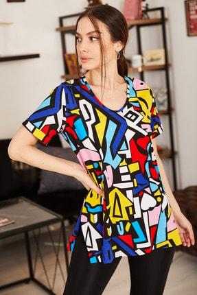 armonika Kadın Renkli Geometrik Desen V Yaka Yanı Yırtmaçlı T-Shirt ARM-21K001120 2