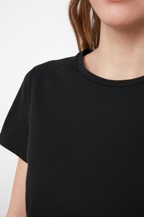 TRENDYOLMİLLA Siyah %100 Pamuk Bisiklet Yaka Crop Örme T-Shirt TWOSS20TS0135 3