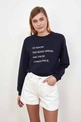 TRENDYOLMİLLA Lacivert Baskılı Örme Sweatshirt TWOSS21SW0125 3