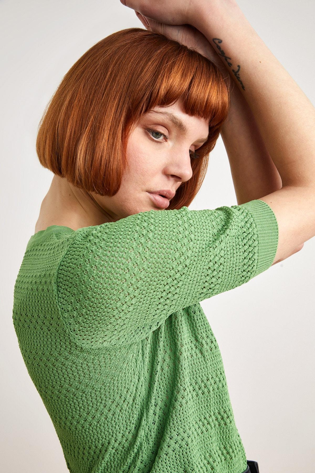 Kadın Yeşil Ajurlu Kısa Kol Triko Kazak 139L7828000