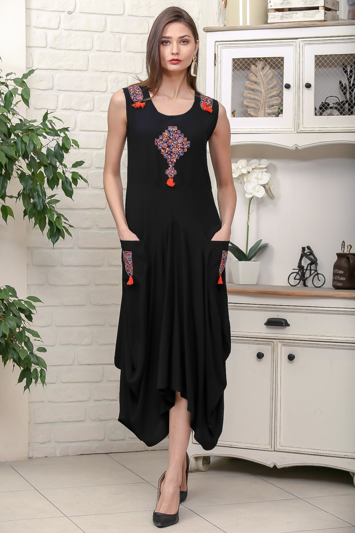 Chiccy Kadın Siyah Omuz Ve Ön Bedeni Tribal Nakışlı Cepli Asimetrik Salaş Dokuma Elbise M10160000EL95878 3