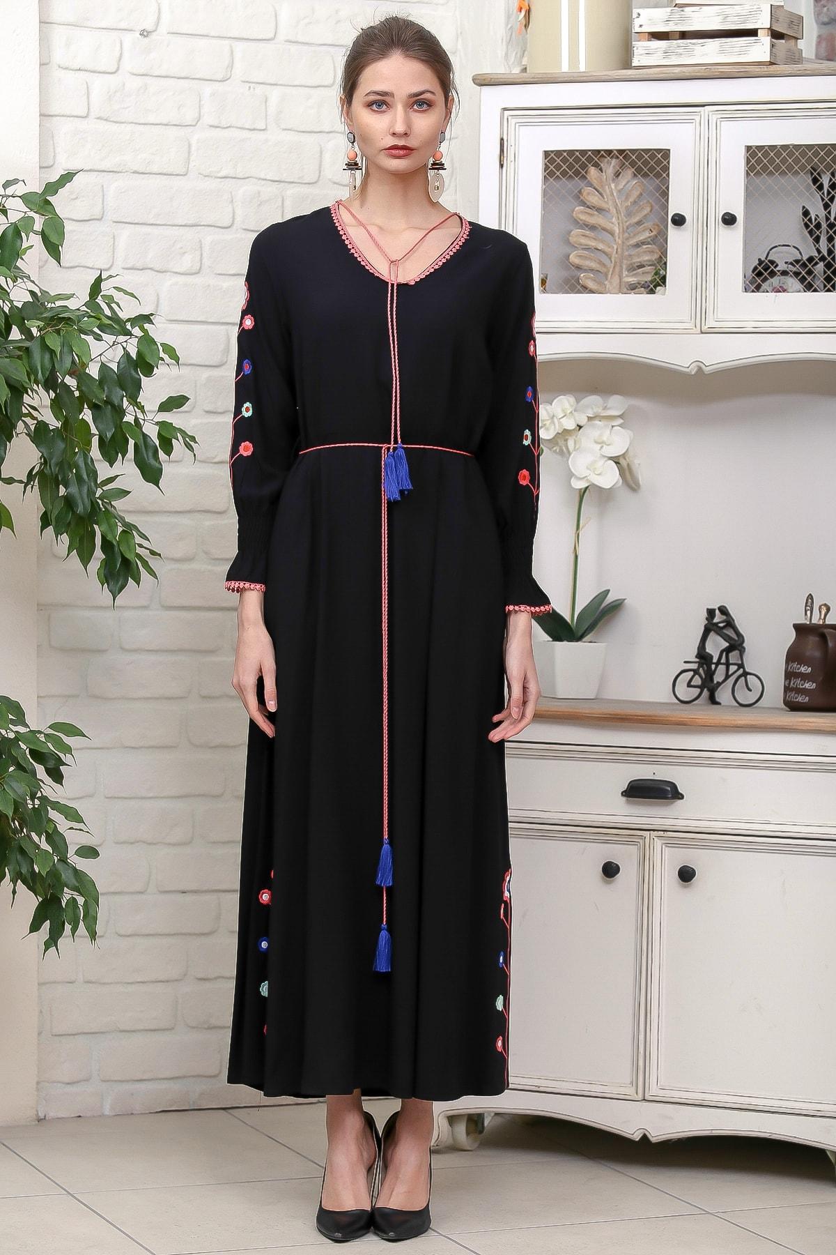 Chiccy Kadın Siyah Kol Ve Yırtmaçları Çiçek Nakışlı Püsküllü Bağcıklı Dokuma Uzun Elbise M10160000EL95942 3