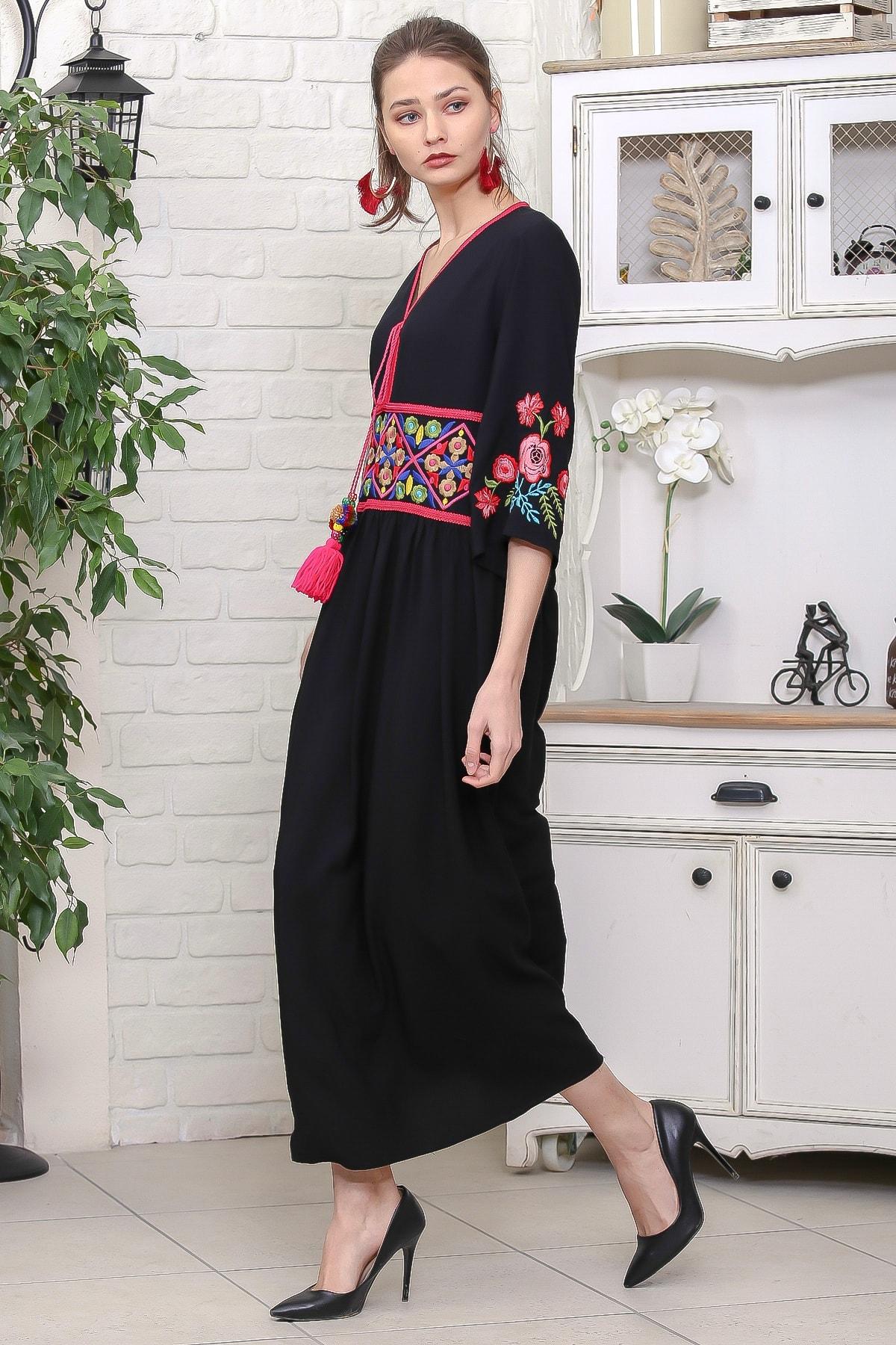 Chiccy Kadın Siyah Beli Ve Kolları Nakışlı Ponponlu Bağcıklı Salaş Dokuma Elbise M10160000EL95920 3