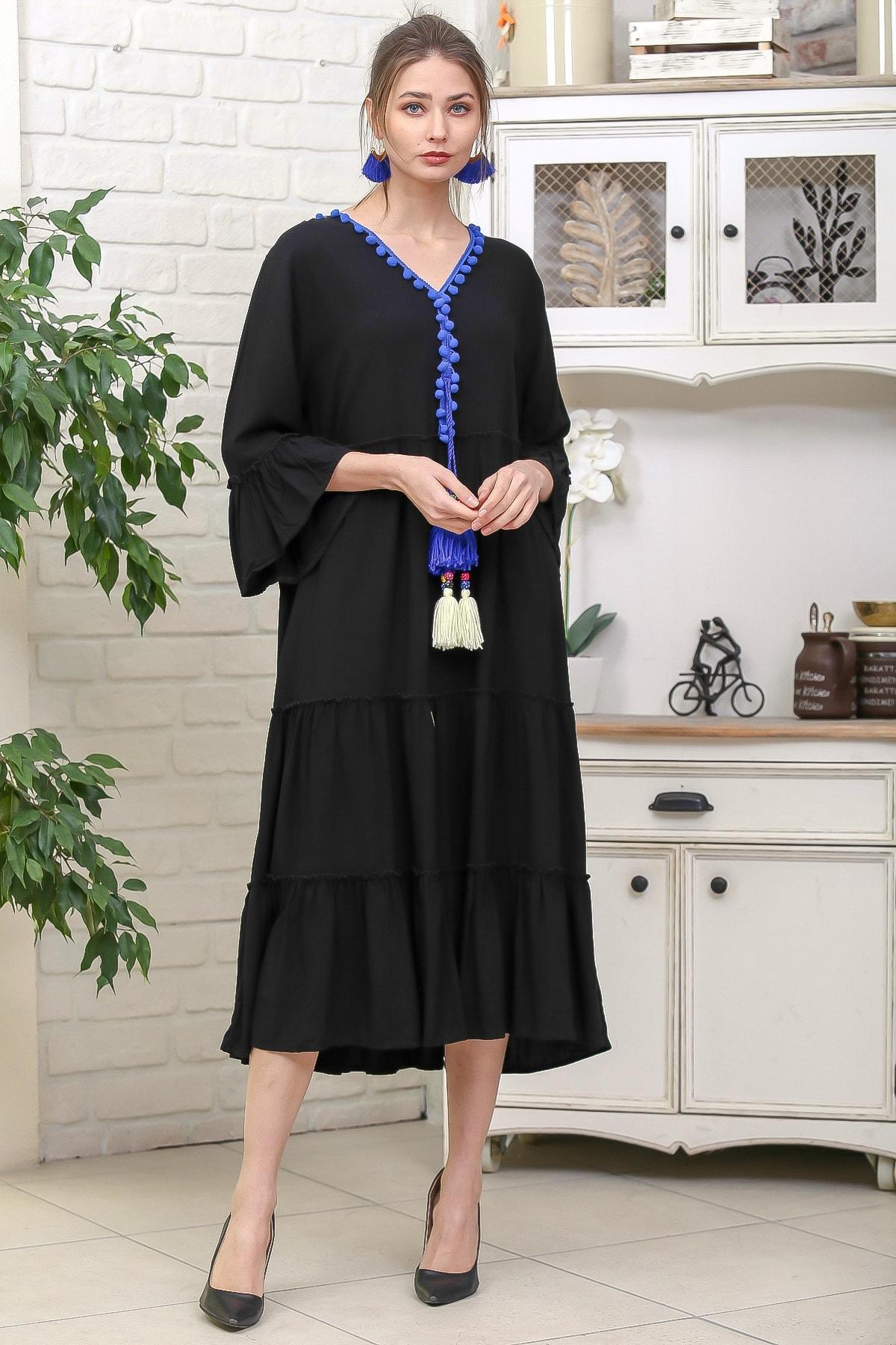 Chiccy Kadın Siyah-Mavi V Yaka Ponpon Detaylı Püsküllü Bağcıklı Salaş Dokuma Elbise M10160000EL95931 1