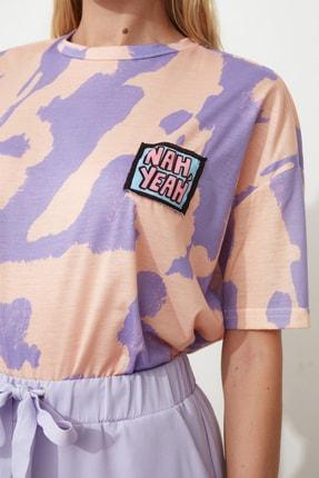 TRENDYOLMİLLA Lila Baskı Detaylı Oversize Örme T-Shirt TWOSS20TS0787 2