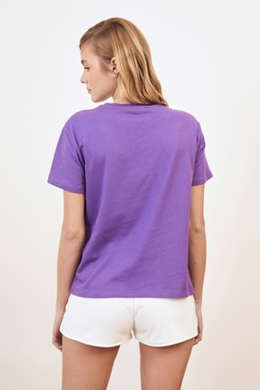 TRENDYOLMİLLA Mor Baskılı Semi-Fitted Örme T-Shirt TWOSS20TS0218 4
