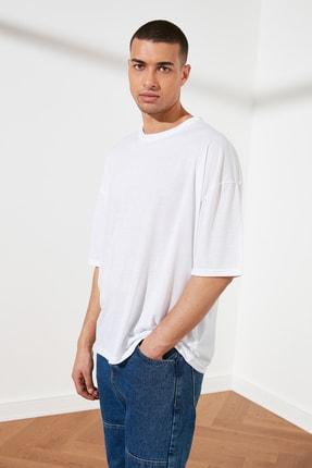 TRENDYOL MAN Beyaz Basic Erkek Oversize Bisiklet Yaka Kısa Kollu T-Shirt TMNSS21TS0811 1