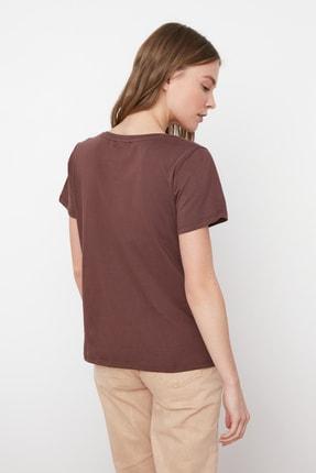 TRENDYOLMİLLA Kahverengi %100 Pamuk V Yaka Basic Örme T-Shirt TWOSS20TS0129 4