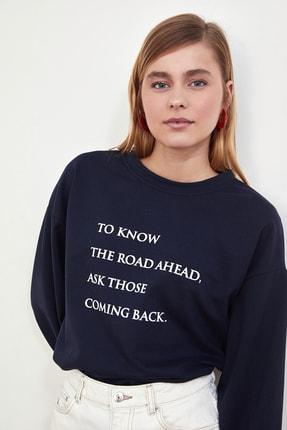 TRENDYOLMİLLA Lacivert Baskılı Örme Sweatshirt TWOSS21SW0125 0