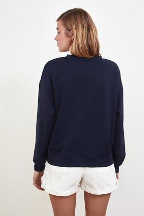TRENDYOLMİLLA Lacivert Baskılı Örme Sweatshirt TWOSS21SW0125 4