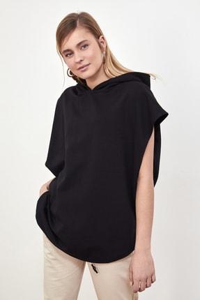 TRENDYOLMİLLA Siyah Kapüşonlu Örme Sweatshirt TWOSS21SW0203 2