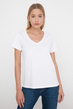 TRENDYOLMİLLA Beyaz V Yaka Basic %100 Pamuk  Örme T-Shirt TWOSS20TS0129 1