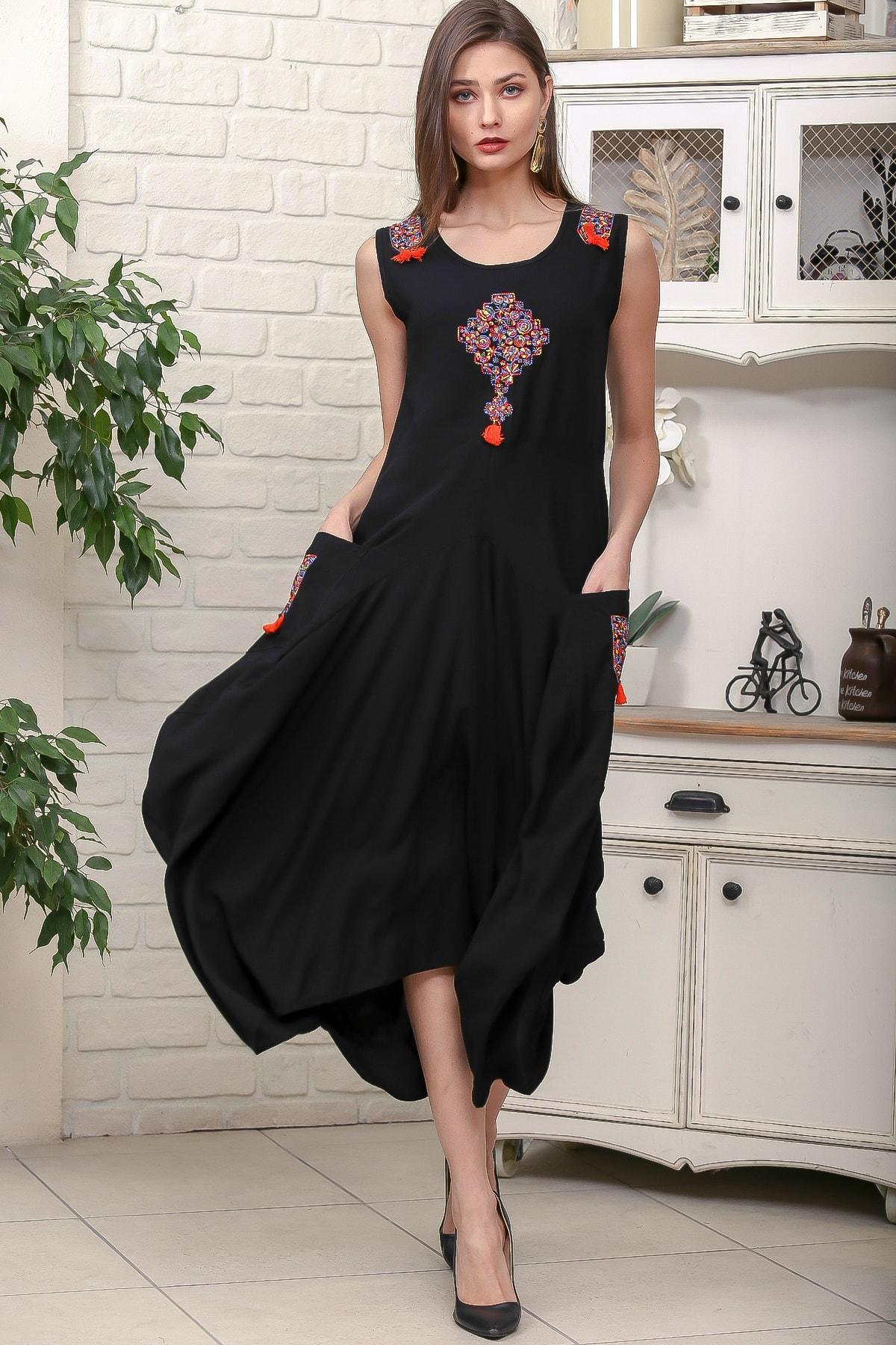 Chiccy Kadın Siyah Omuz Ve Ön Bedeni Tribal Nakışlı Cepli Asimetrik Salaş Dokuma Elbise M10160000EL95878 0