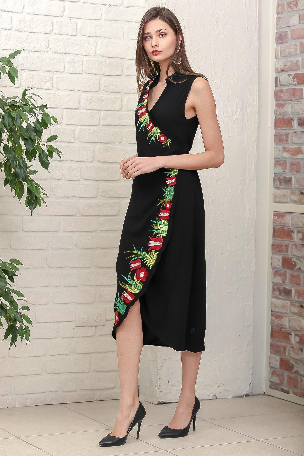 Chiccy Kadın Siyah Kruvaze Lale Nakışlı Ayaklı Yakalı Anvelop Kuşaklı Dokuma Elbise M10160000EL95887 2