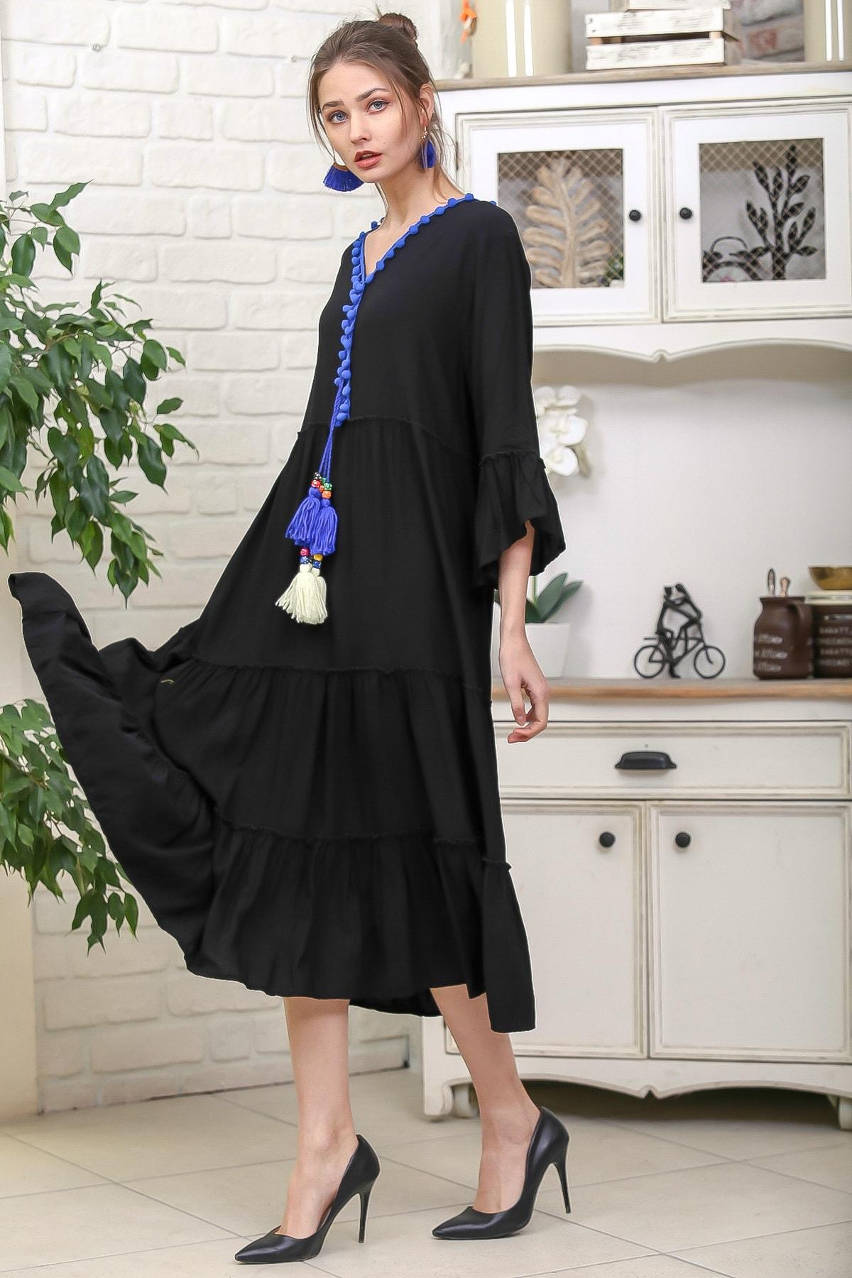 Chiccy Kadın Siyah-Mavi V Yaka Ponpon Detaylı Püsküllü Bağcıklı Salaş Dokuma Elbise M10160000EL95931 2