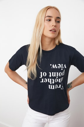 TRENDYOLMİLLA Lacivert Baskılı Semi-Fitted Örme T-Shirt TWOSS20TS0572 1