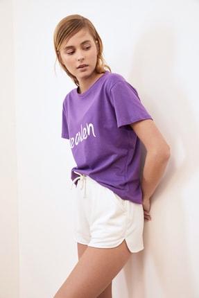 TRENDYOLMİLLA Mor Baskılı Semi-Fitted Örme T-Shirt TWOSS20TS0218 3