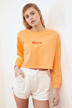 TRENDYOLMİLLA Şeftali Nakışlı Crop Örme Sweatshirt TWOSS20SW0150 1