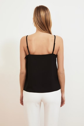 TRENDYOLMİLLA Siyah Askılı Bluz TWOSS21BZ0543 4