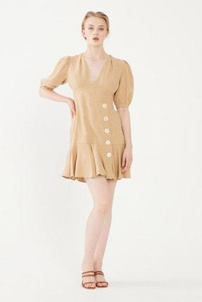 تصویر از Kadın Bej Düğme Detaylı Keten Elbise