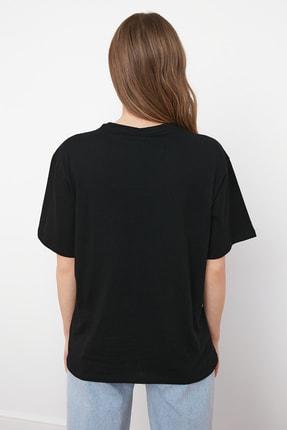 TRENDYOLMİLLA Siyah %100 Pamuk Bisiklet Yaka Boyfriend Örme T-Shirt TWOSS20TS0134 4