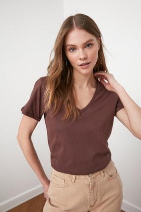 TRENDYOLMİLLA Kahverengi %100 Pamuk V Yaka Basic Örme T-Shirt TWOSS20TS0129 1
