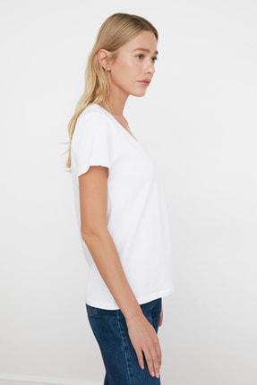 TRENDYOLMİLLA Beyaz V Yaka Basic %100 Pamuk  Örme T-Shirt TWOSS20TS0129 4