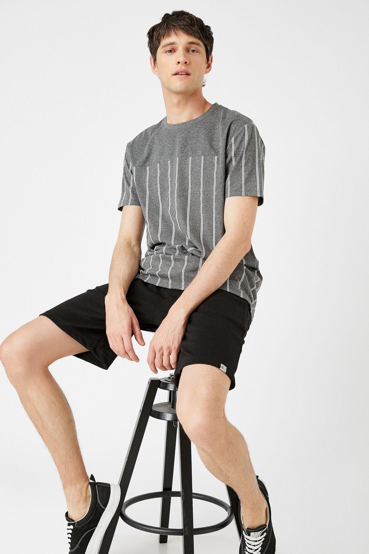 Erkek Gri Çizgili T-Shirt 1YAM14962OK