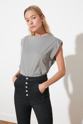 TRENDYOLMİLLA Gri Kolsuz Basic Örme T-Shirt TWOSS20TS0021 3