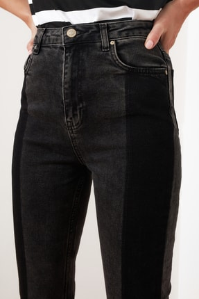 TRENDYOLMİLLA Siyah Renk Bloklu Yüksek Bel Slim Fit Jeans TWOAW21JE0017 2