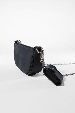 Bershka Kadın Siyah Kılıf Detaylı Zincirli Askılı Mini Çanta 0