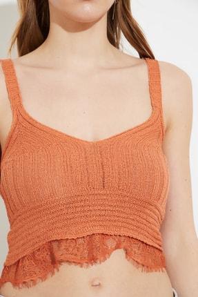 TRENDYOLMİLLA Tarçın Dantelli Crop Triko Bluz TWOSS21BZ0068 1