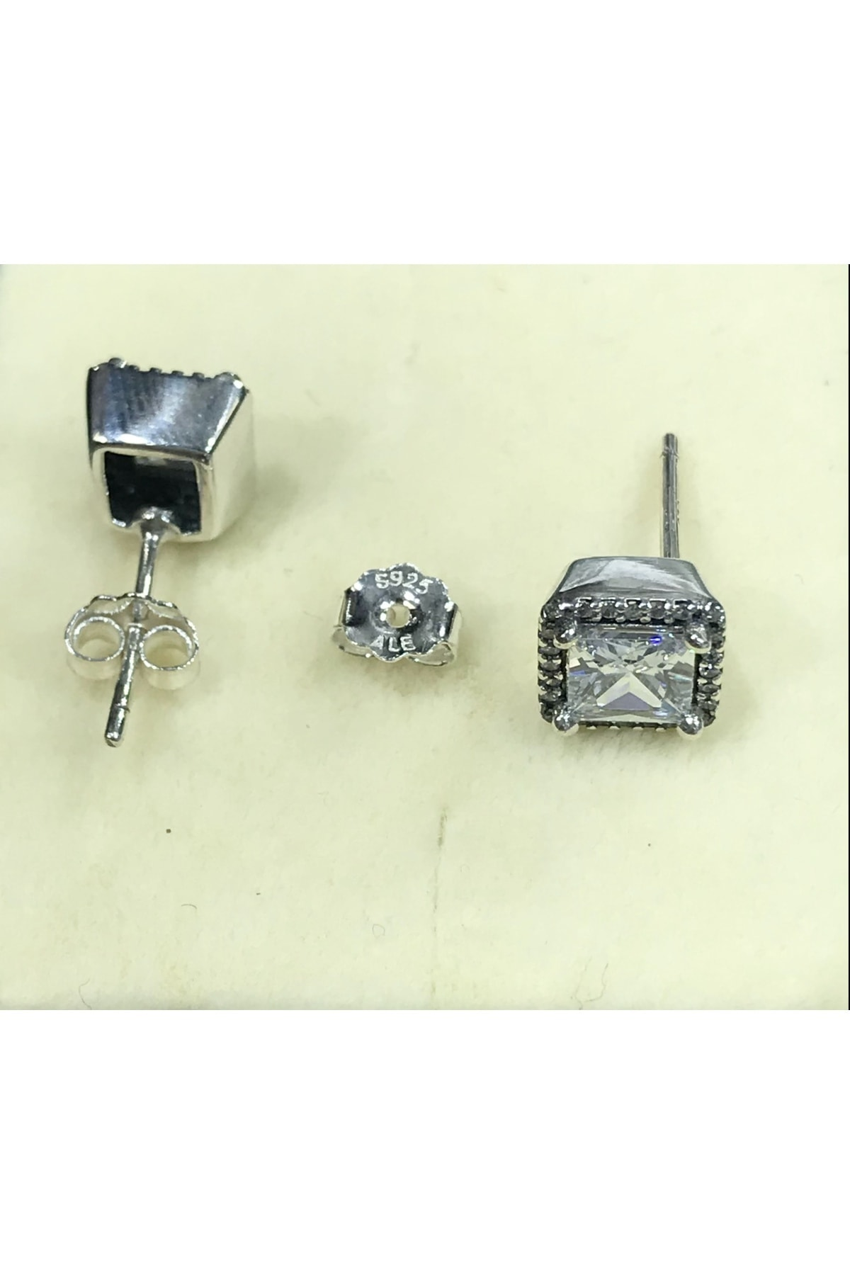 CHARM'S Pandora Model 925 Ayar Saf Gümüş Ebedi Zarafet Küpesi