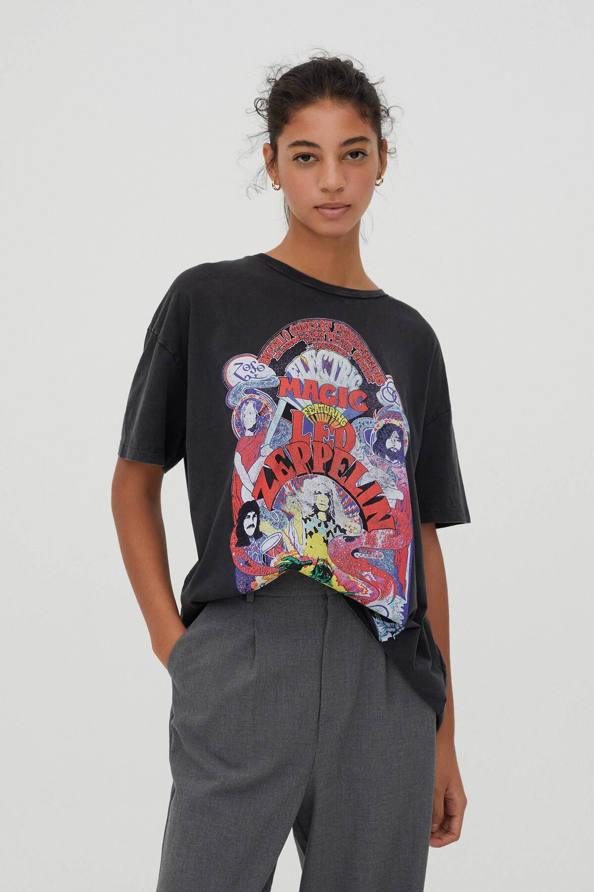 Pull & Bear Kadın Soluk Siyah Led Zeppelin Electric Magic Görselli T-Shirt 09247321 0