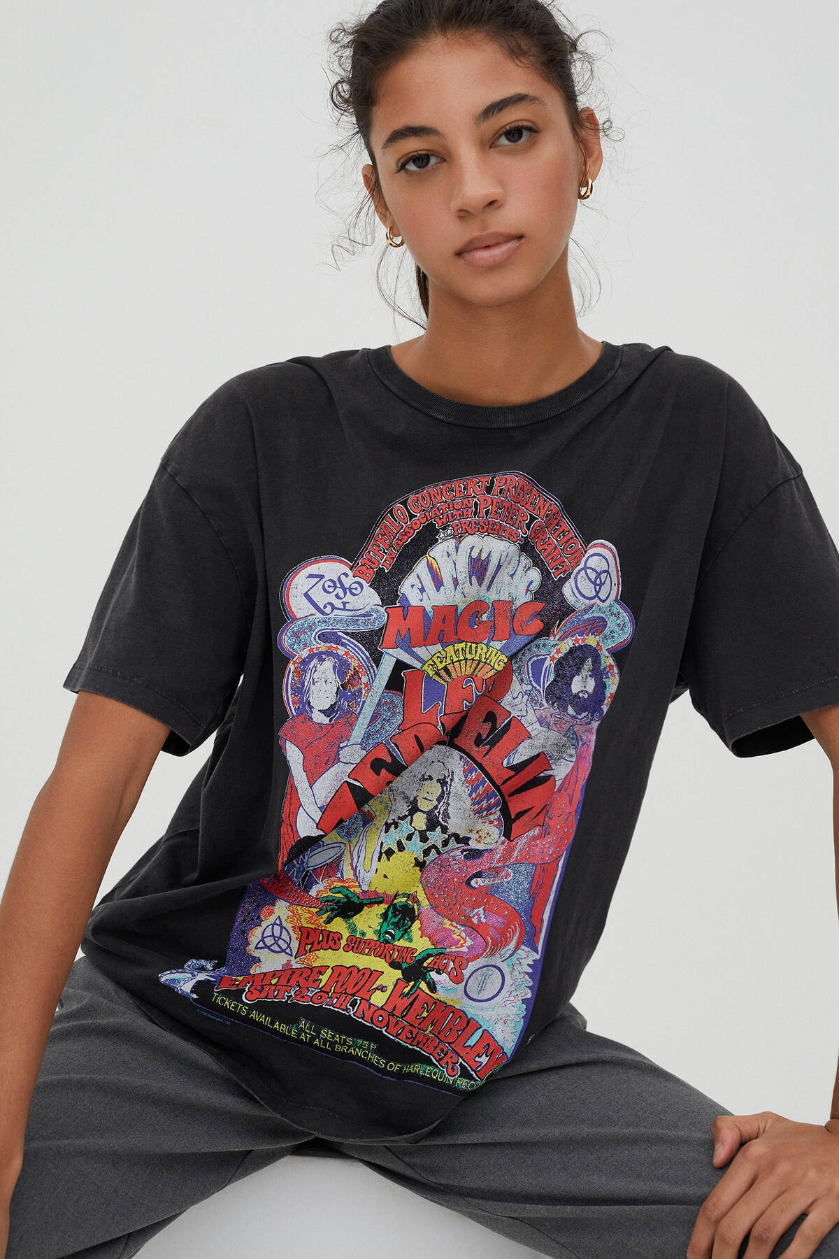 Pull & Bear Kadın Soluk Siyah Led Zeppelin Electric Magic Görselli T-Shirt 09247321 3