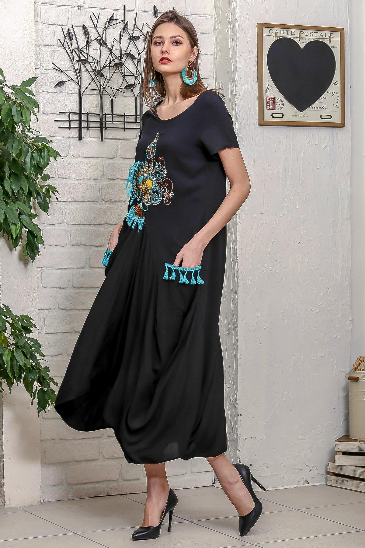 Chiccy Kadın Siyah Ottoman Yelpaze Nakışlı Cepleri Püsküllü Asimetrik Salaş Elbise 1