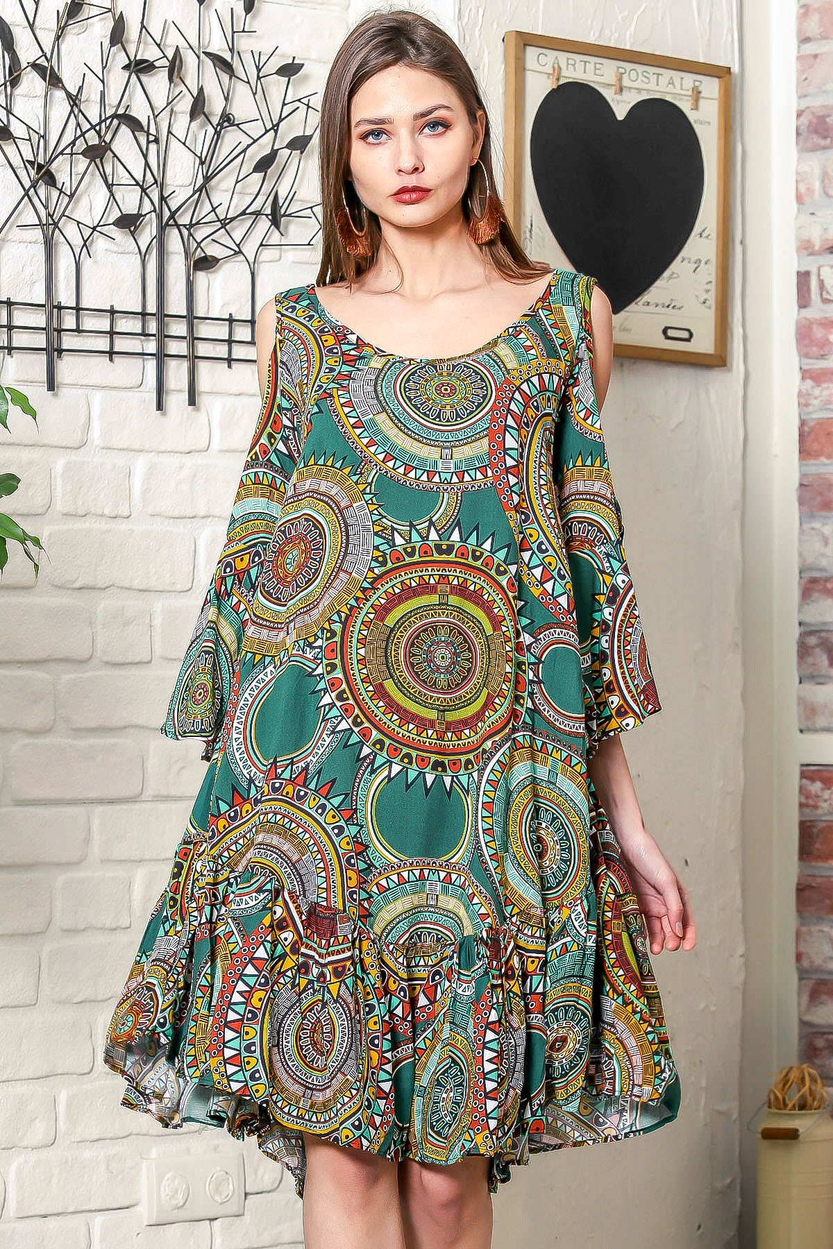 Kadın Nefti Omuzları Pencereli Geometrik Desen Kolları Volanlı Salaş Elbise